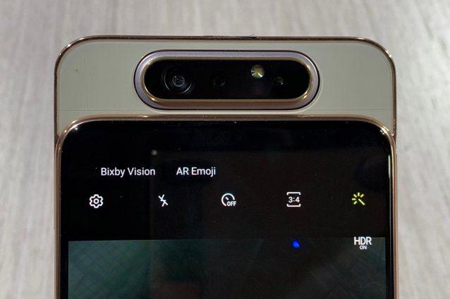 Samsung presenta lo smartphone Galaxy A80, il primo con tripla fotocamera rotante